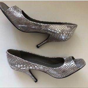Bcbg generation silver shoes